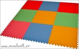 Pěnový koberec 9 silný (0+)