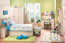 Studentský pokoj pro holku Lilian - bříza
