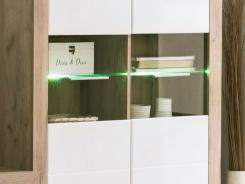 LED osvětlení k proskleným policím
