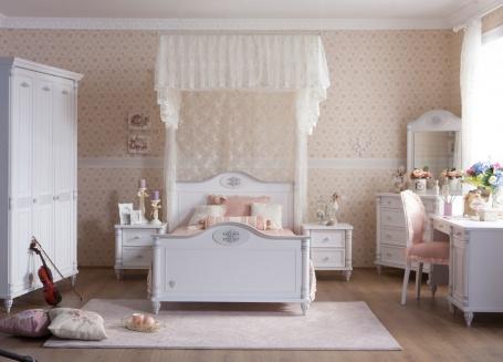 Pokoj pro studentku Carmen - bílá