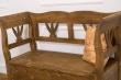 Detail opěrky lavice Honey - odstín P001