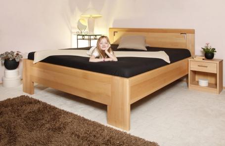 Masivní postel Deluxe