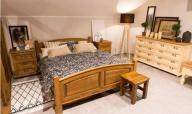 Vyspat se do růžova? Jedině v masivní dřevěné posteli